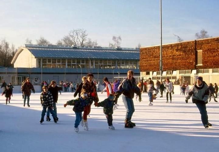 Städtische Kunsteisbahn, Dachau Bild