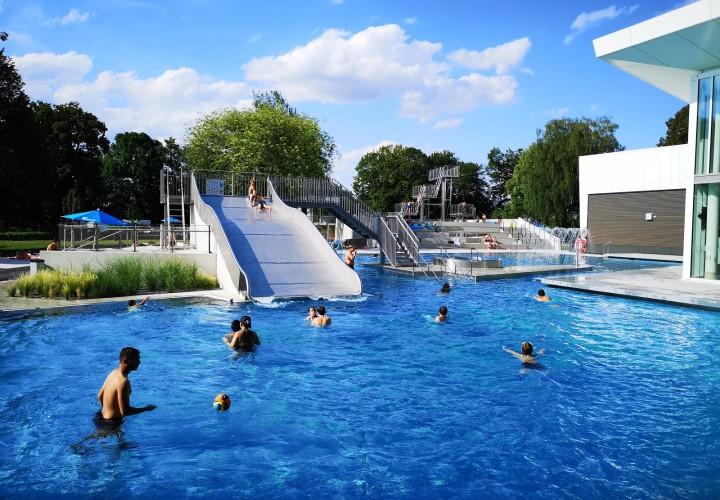 fresch - Freisinger Erlebnis Schwimmbad (Hallenbad Freibad Sauna) – Lerchenfeld Bild